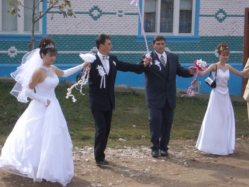 8 Svatba - tanec po vsi